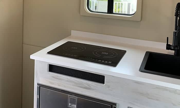 rv-induction-cooktop